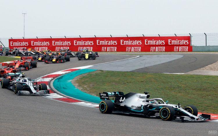 Формула-1: Хэмилтон одержал вторую победу к ряду