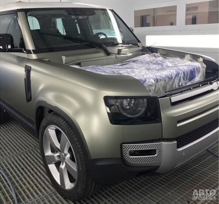 Первые фото нового Land Rover Defender