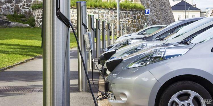 Электромобили в Украине установили новый рекорд продаж
