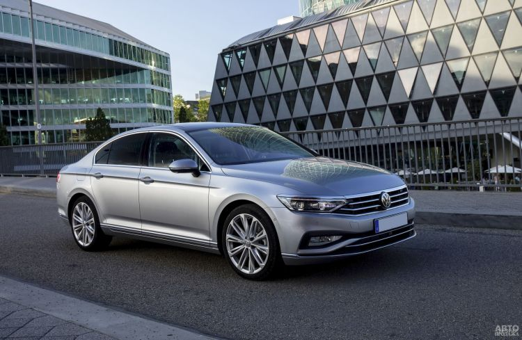 Volkswagen Passat: консервативный подход