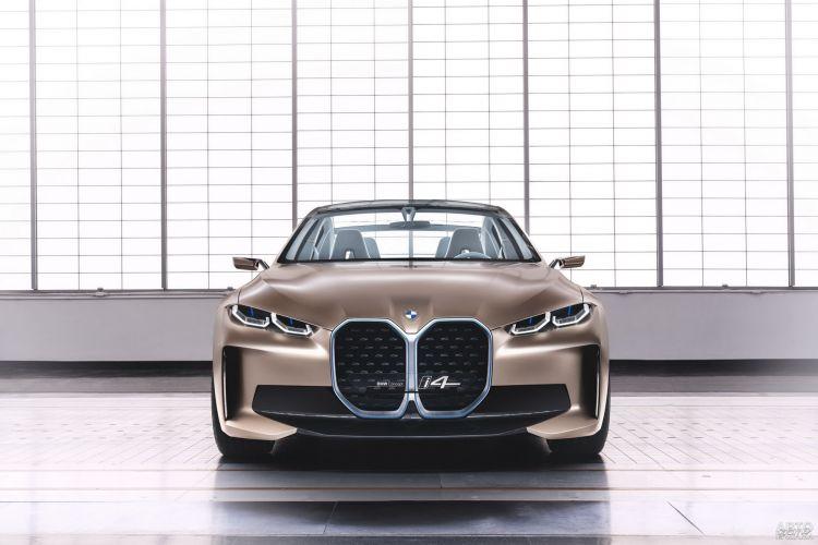 BMW i4: предвестник нового электромобиля