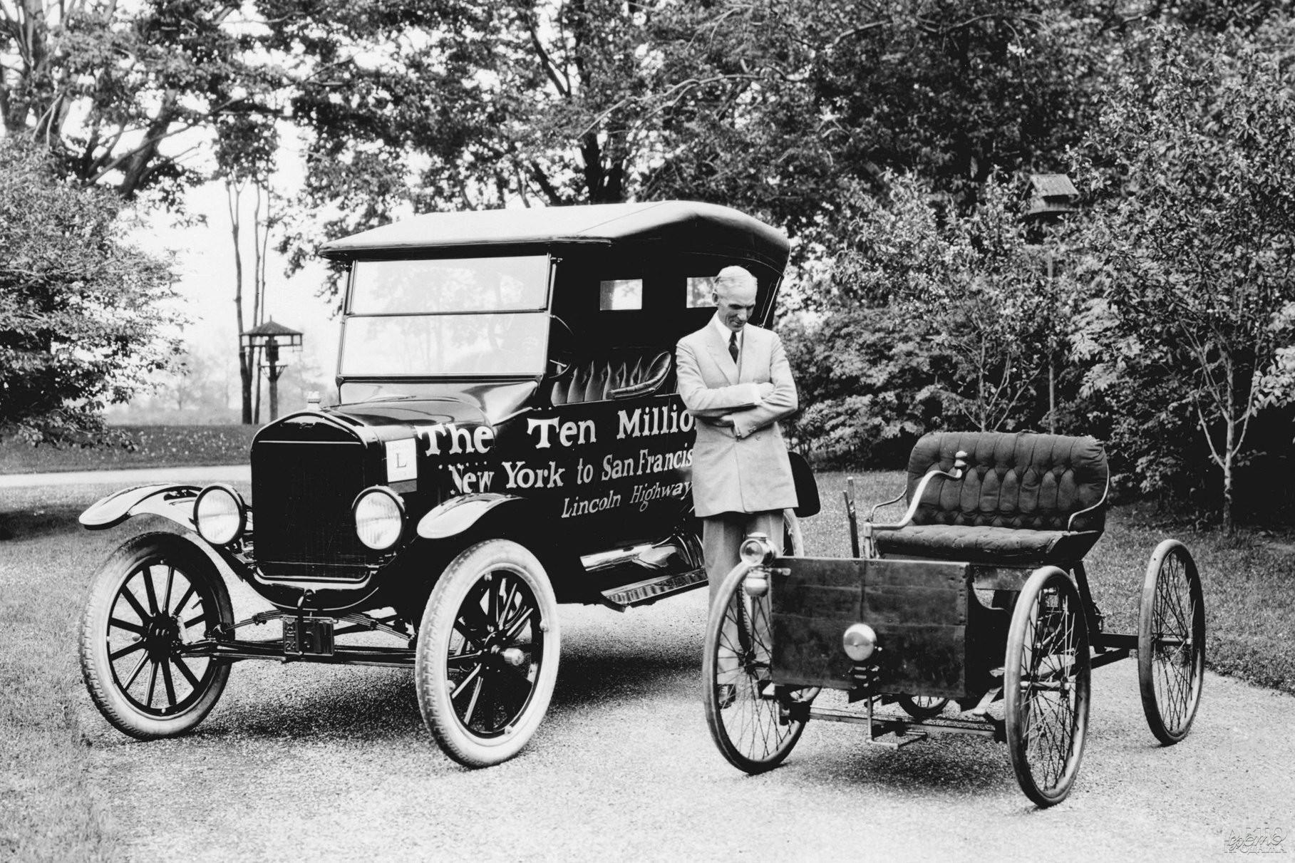 Генри Форд с Ford Quadricycle и 10-миллионным Ford T