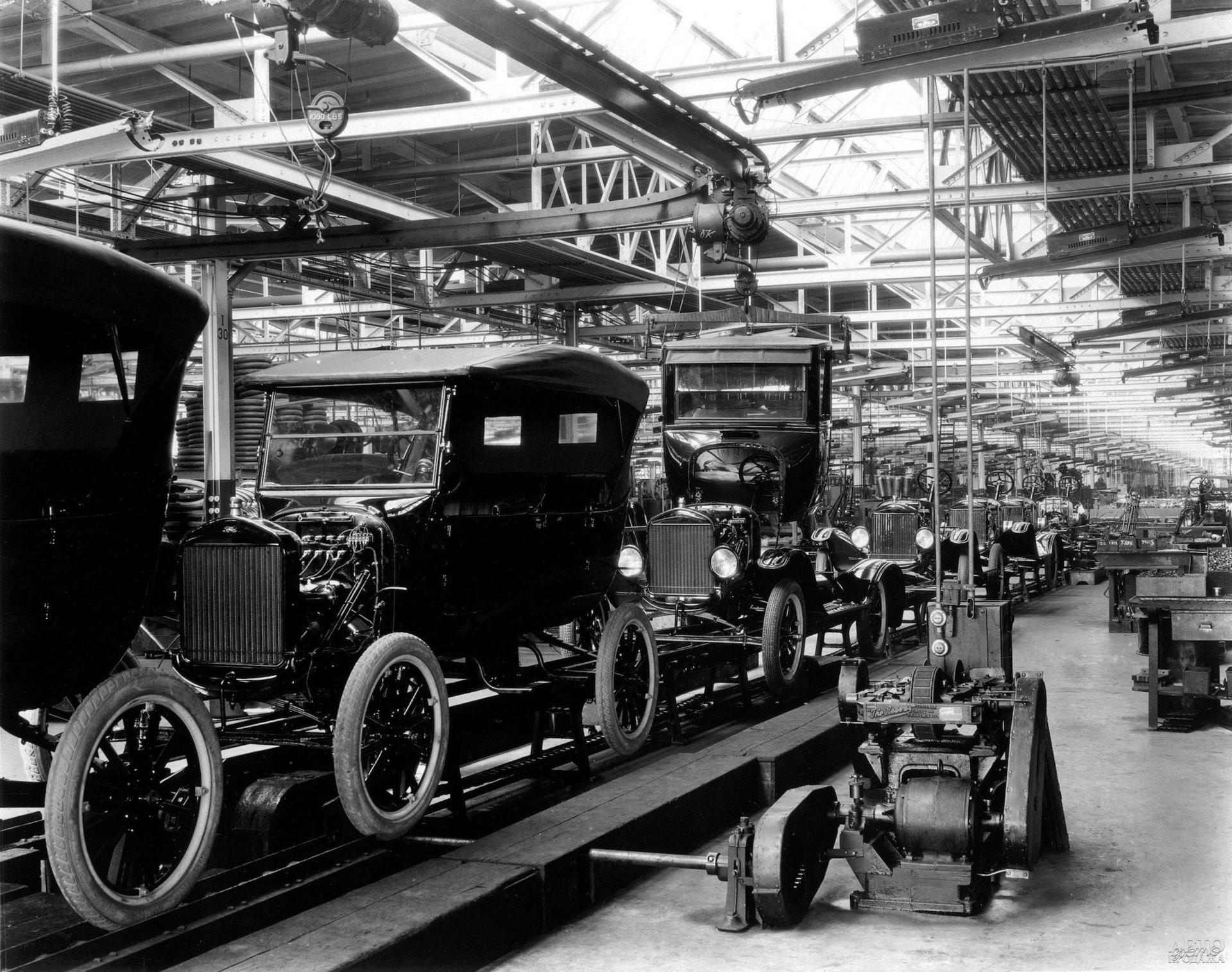 Автомобильный конвейер – изобретение Генри Форда