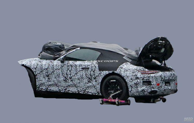 Новый Mercedes-Benz SL появится через год