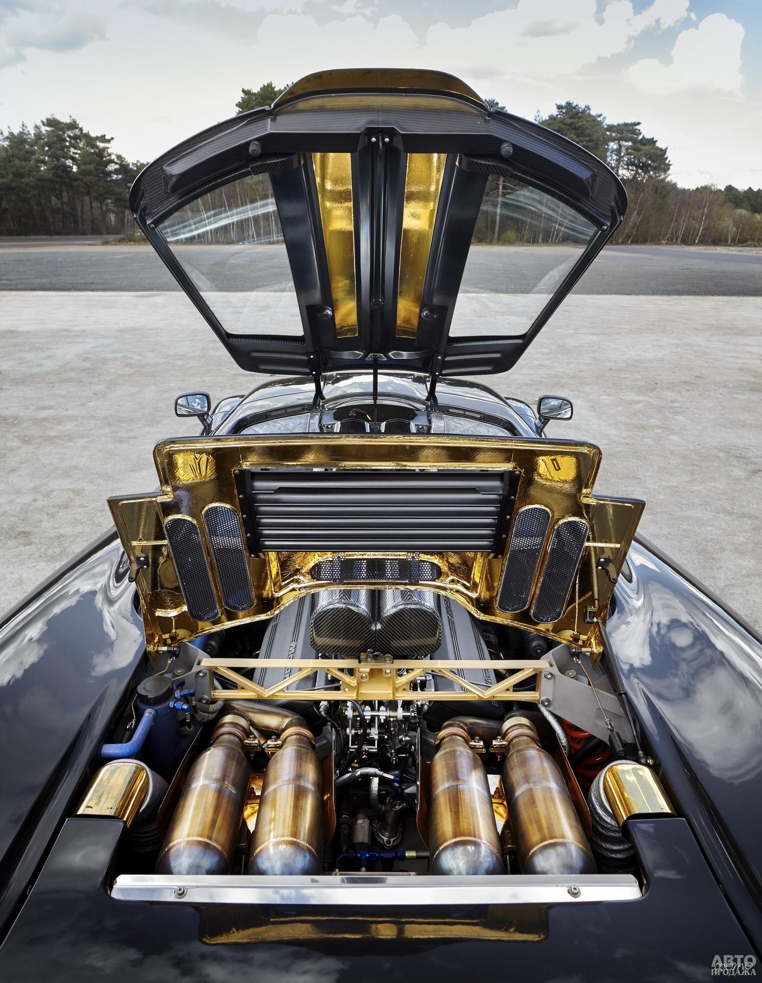 Стенки моторного отсека покрыли золотом