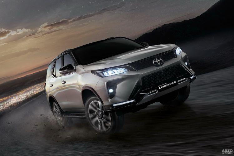 Toyota Fortuner: новое «лицо» и новый двигатель