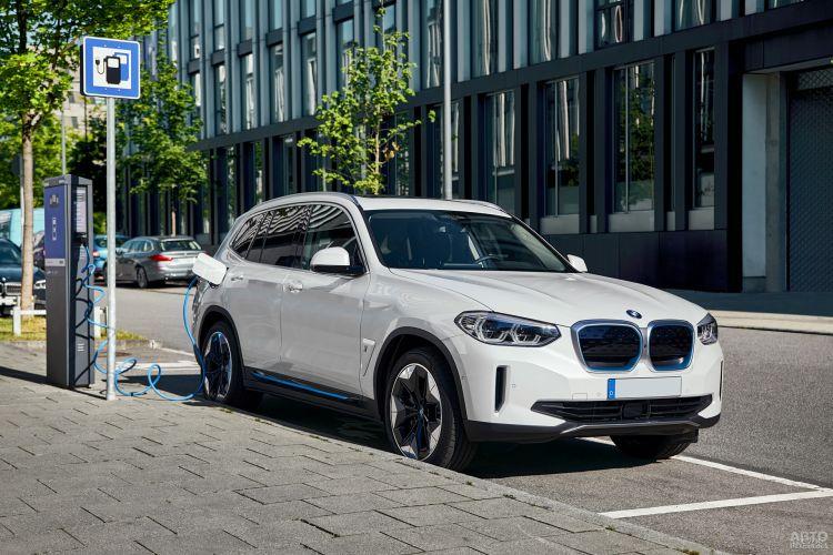 BMW iX3: курс на электрификацию