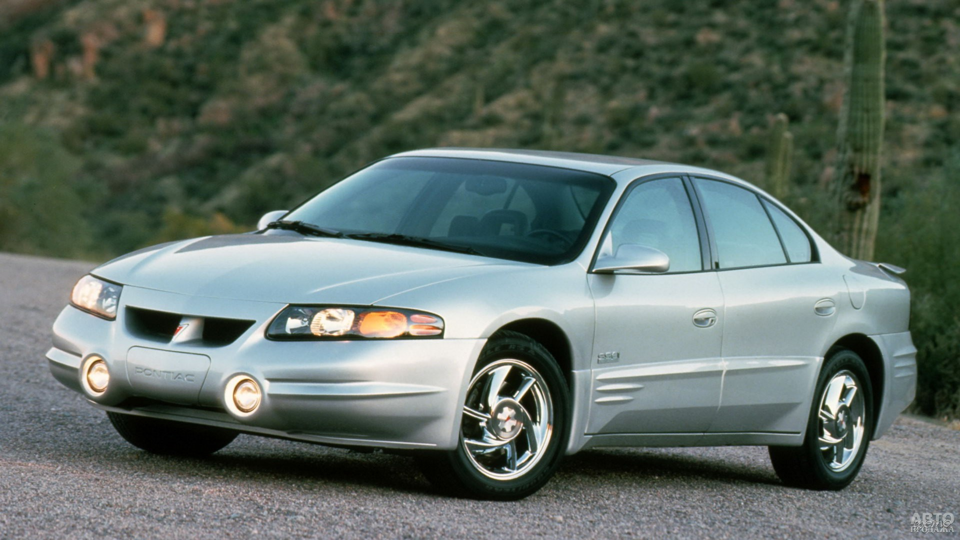 Pontiac Bonneville 2000 года стал седаном