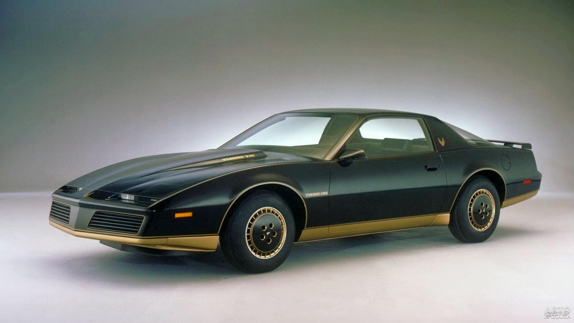 Pontiac Firebird 1982 года