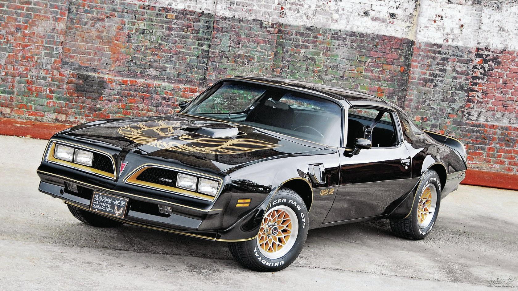 Pontiac Firebird 1978 года прославился благодаря фильму «Смоки и бандит»