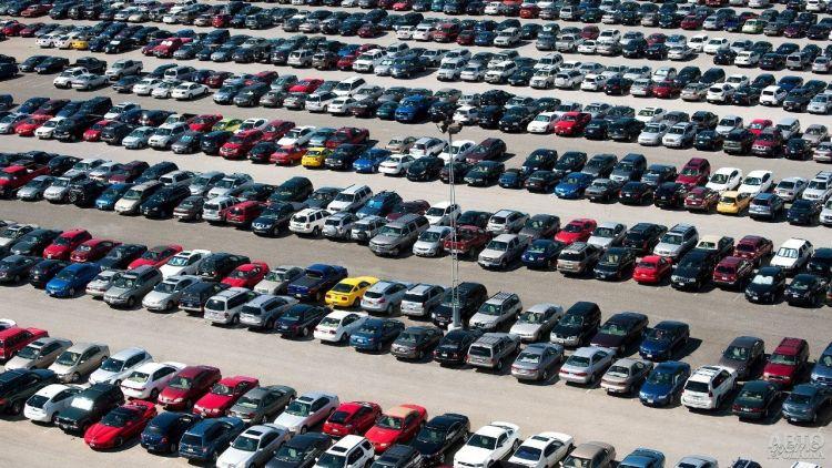 В Киеве обустроят перехватывающие парковки