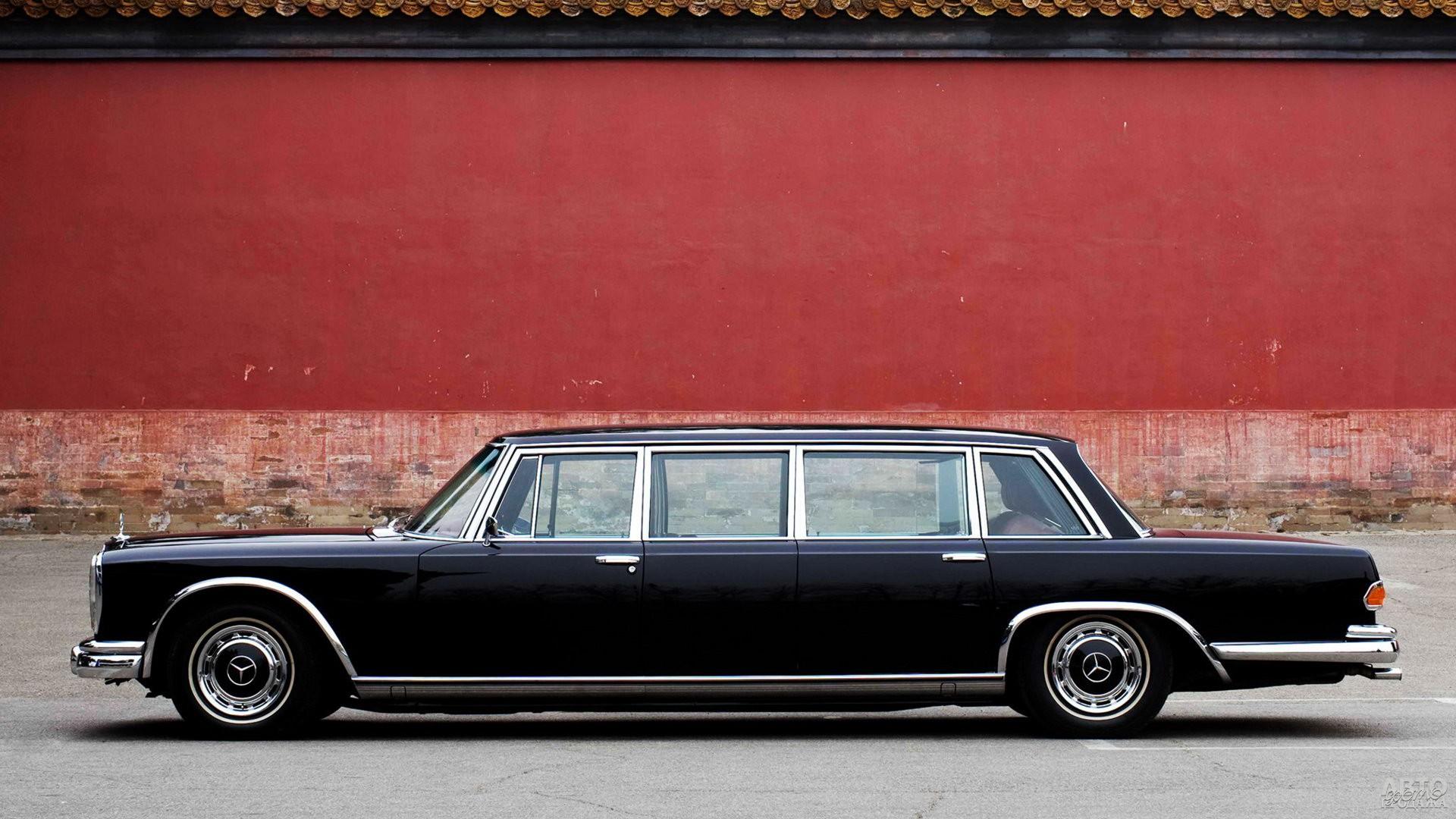 Лимузин Mеrcedes-Benz 600 Pullman 1963 года достигал 6,2 м в длину