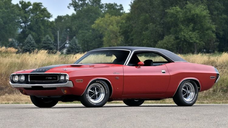 Dodge Challenger: мощный американец