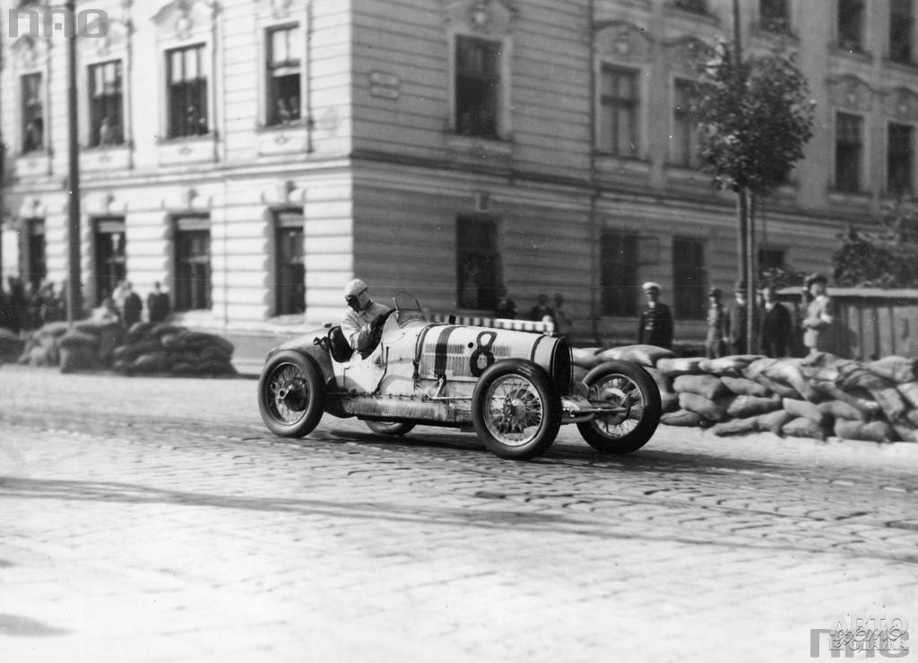 Bugatti Type 35 на улицах Львова