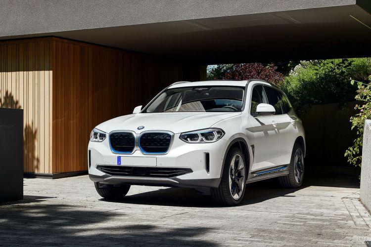 BMW iX3: электрификация популярного вседорожника