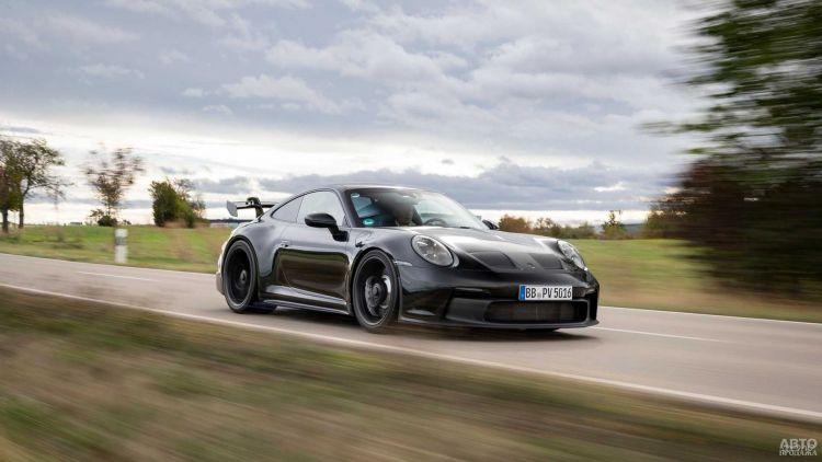 Новый Porsche 911 GT3 показали на первых фото