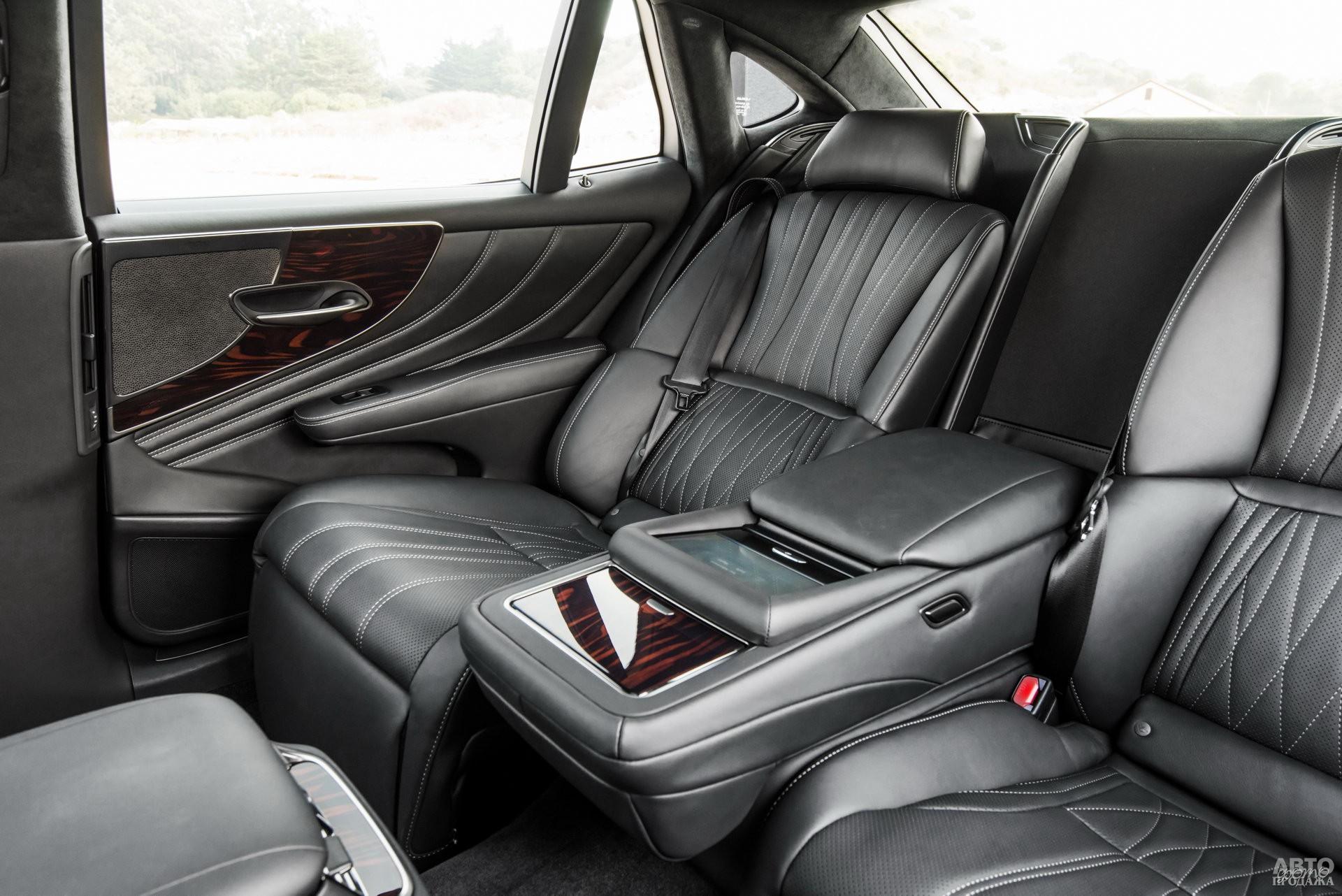 Задние сиденья Lеxus получили электропривод и вентляцию