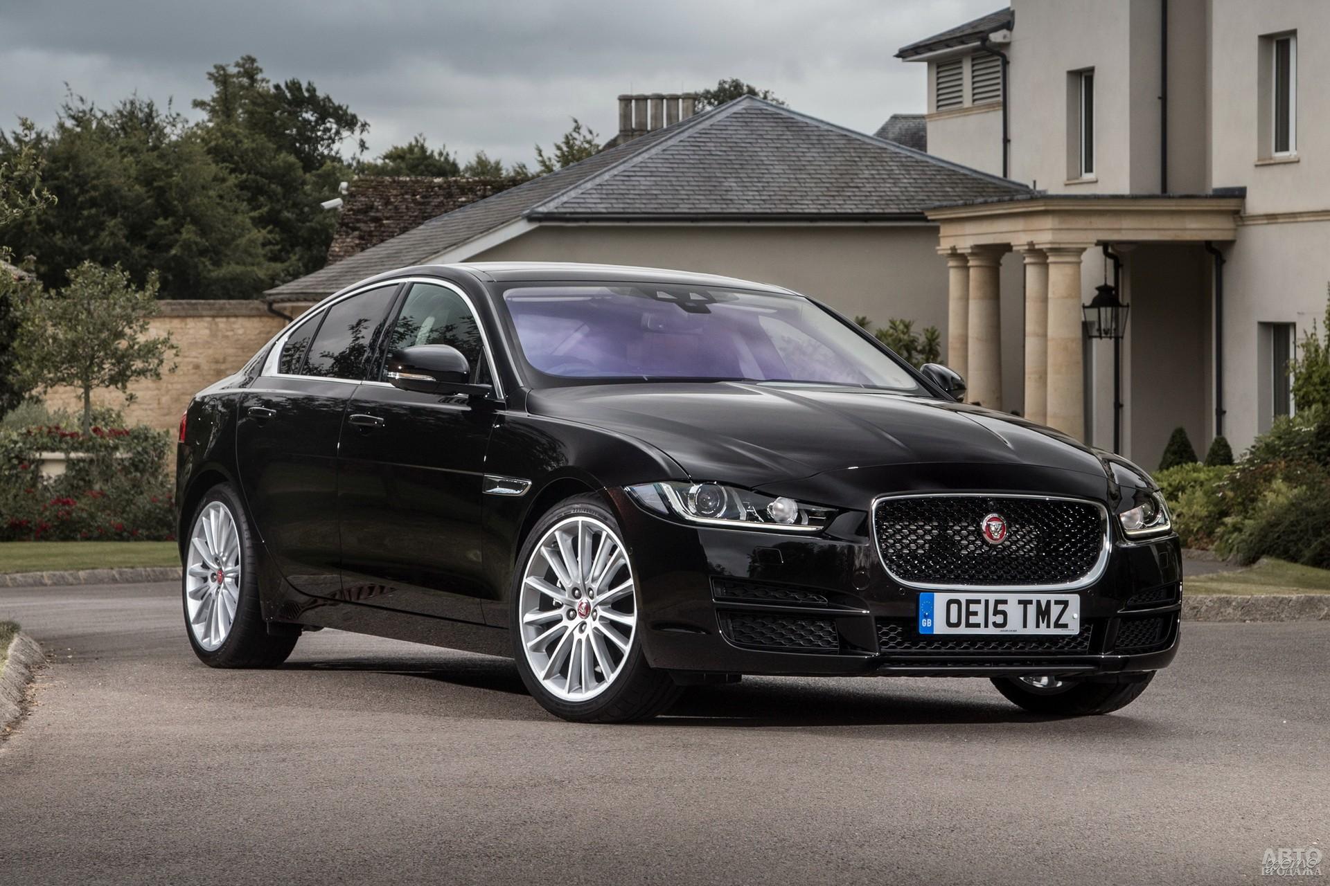 Jaguar XЕ, 2015 год