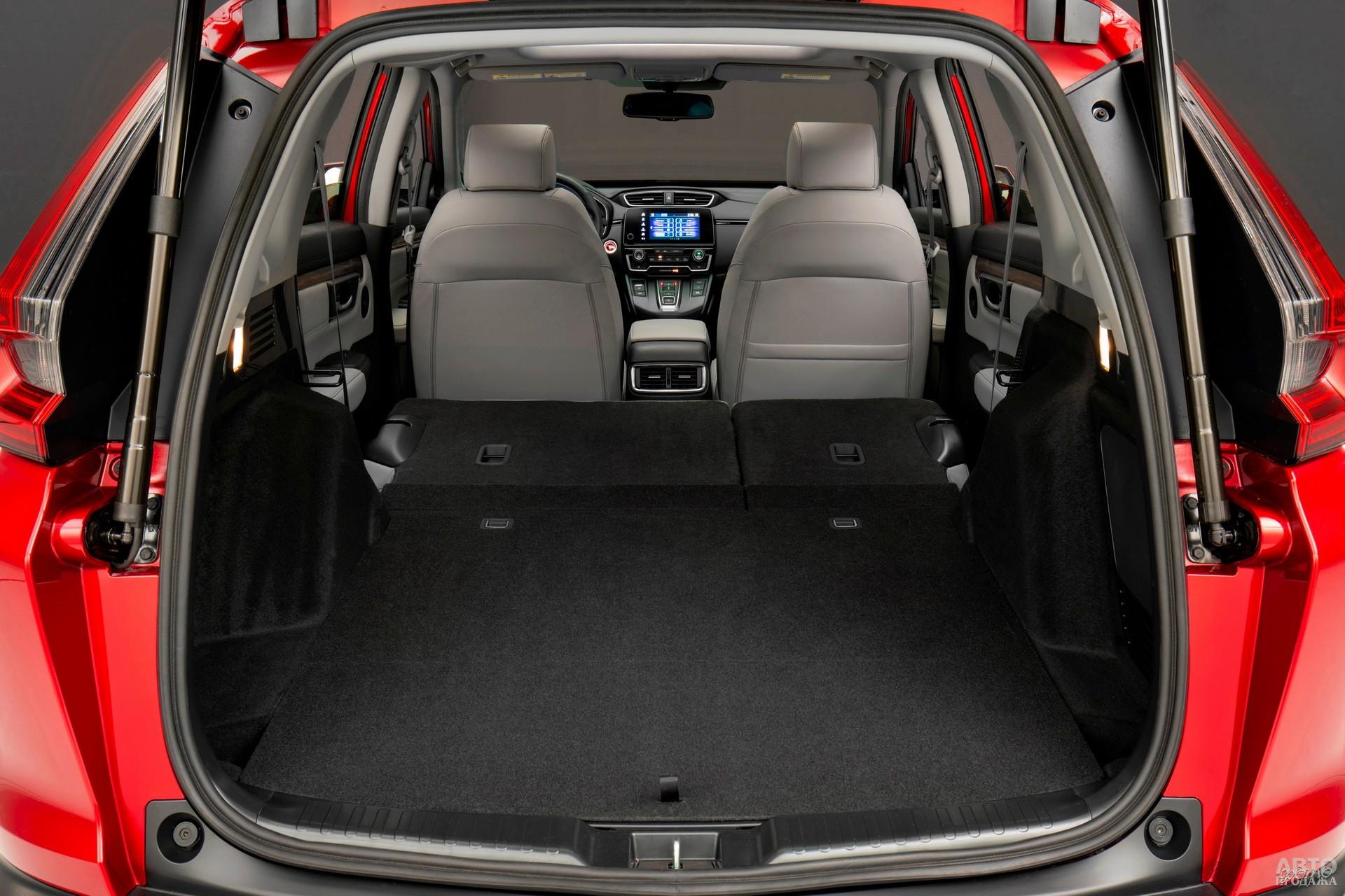 Объем багажника Honda – 492 л