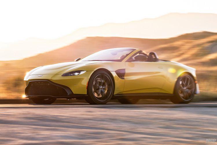 Aston Martin Vantage Roadster: яркий и быстрый