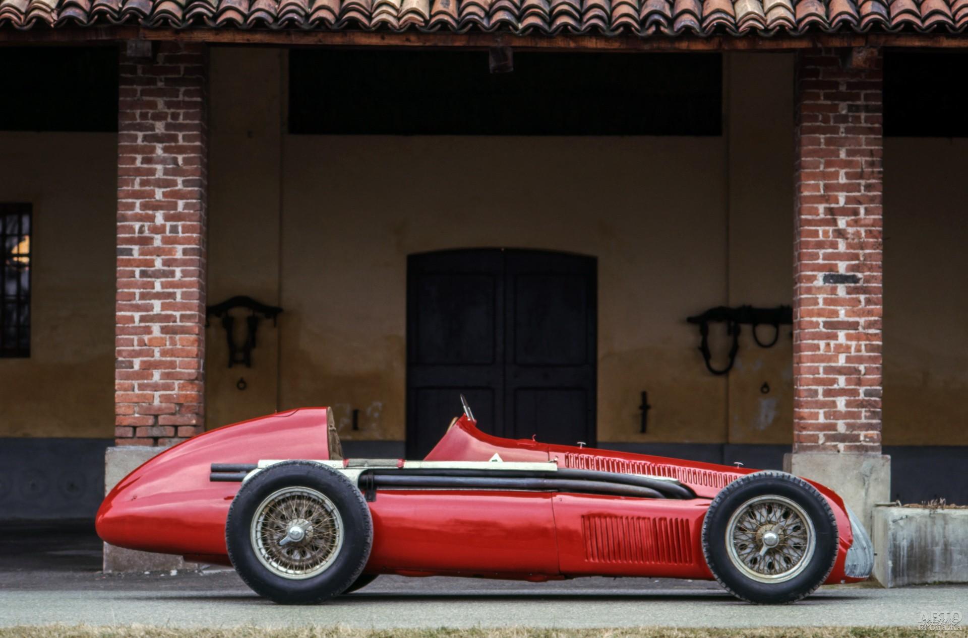 Непобедимый Alfa Romeo Tipo 159 Alfetta 1951 года