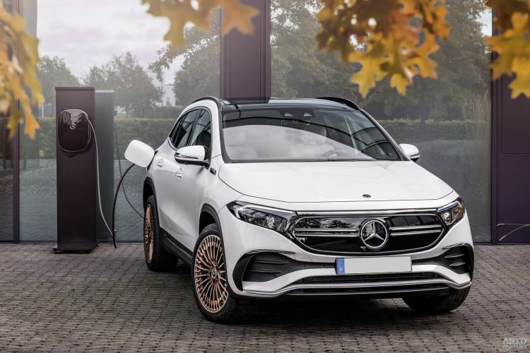 Mercedes-Benz EQA: электрификация популярного вседорожника