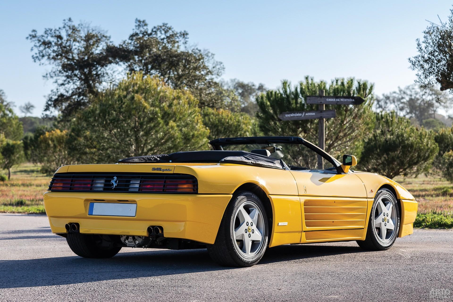 Ferrari 348 Spider 1993 года
