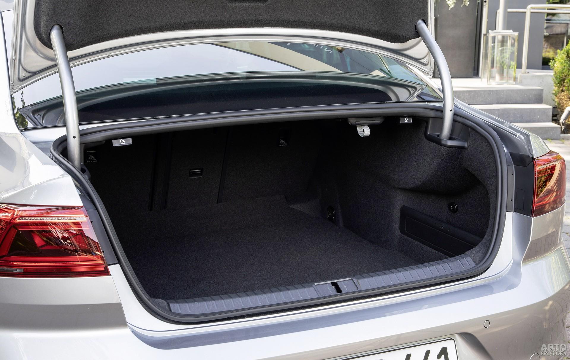 Объем багажника Volkswagеn – 586 л