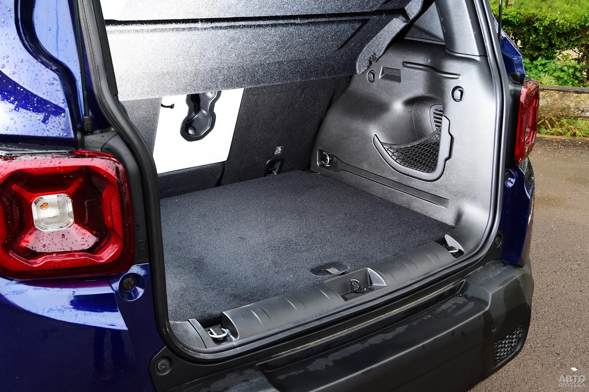 У Jeep в распоряженни – 351 л