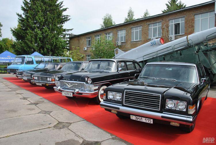 ЗіЛ Щербицького, Bentley Кеннеді та найстаріша українська мототехніка – відбувся 12-й фестиваль ретротехніки OldCarLand!