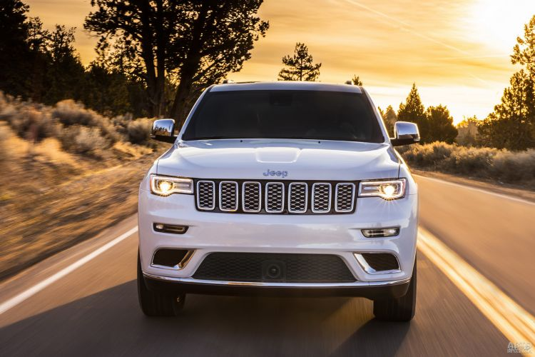 Jeep Grand Cherokee, Land Rover Discovery и Volkswagen Touareg: для бездорожья и асфальта