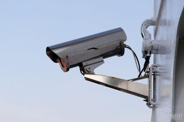 На украинских дорогах установили два десятка новых камер автофиксации