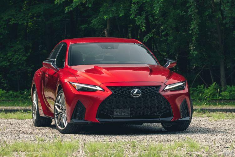 Lexus IS 500 F Sport Performance: быстрый и комфортабельный