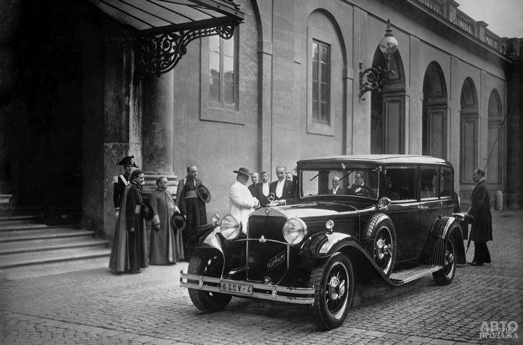Пий IX и Mercedes Benz 460 Nurburg