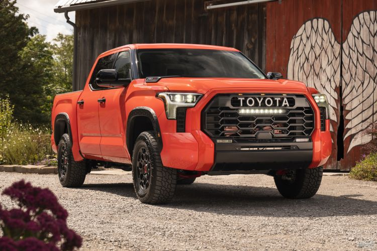 Toyota Tundra: долгожданная смена поколений