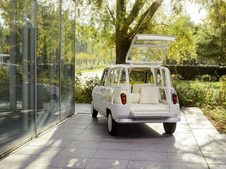 Классический Renault превратили в дом на колесах