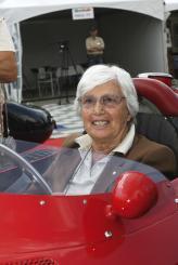 """Мария Тереза де Филиппис, первая женщина-пилот принявшая участие в гонках """"Формулы-1"""""""