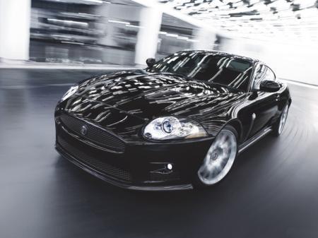 Jaguar XKR-S: спортсмен с аристократичным характером