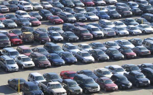 Продажи новых автомобилей в России увеличились на 77 процентов