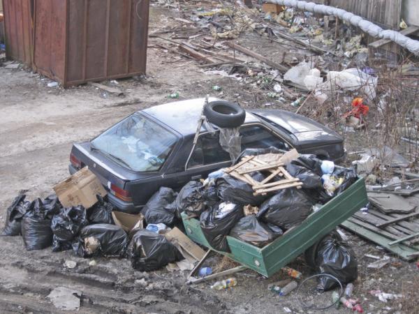 Из-за торнадо Toyota и Mercedes-Benz закрыли заводы в США