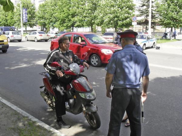 Водительское удостоверение для мопедов отменено