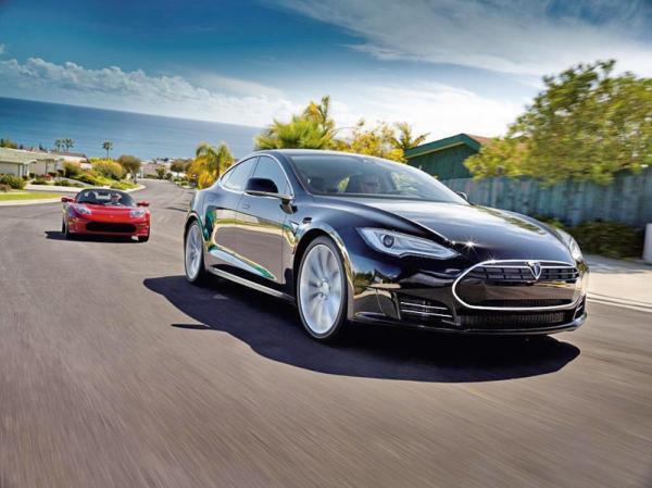 Седан Tesla S Alpha в продаже с 2012 года