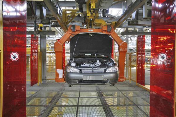 """""""АвтоВАЗ"""" увеличил продажи автомобилей на 31 процент"""