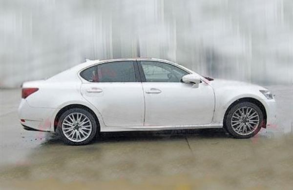 Новый Lexus GS: первые фото без комуфляжа