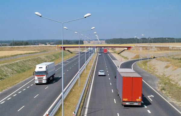 До Евро-2012 в Украине появятся отремонтированные дороги и новые автобаны