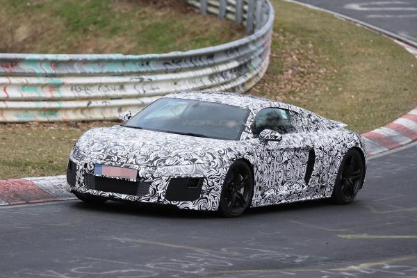 Audi R8 замечен на тестах
