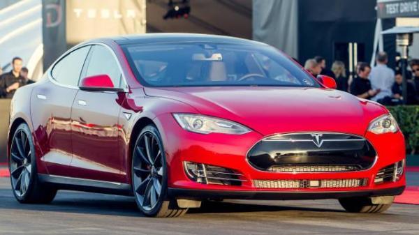 Tesla Model S P85D - самый мощный электромобиль