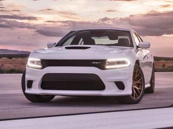 Dodge Charger SRT Hellcat: воплощение мощи