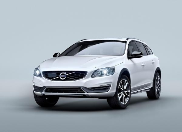 Вседорожный Volvo V60 Cross Country