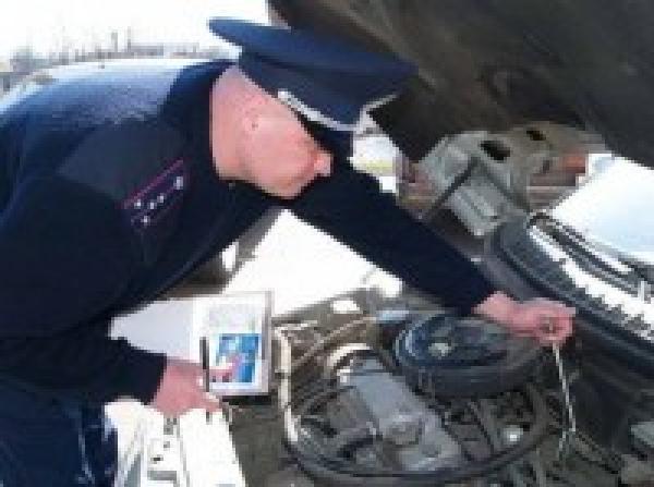 Кабмин инициирует отмену осмотра новых авто работниками ГАИ
